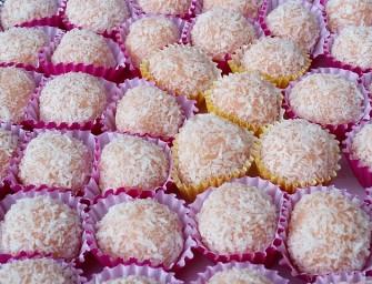 Burnoje tirpstantys naminiai Raffaello saldainiai