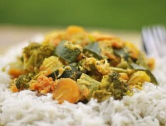 """Pietų Indijos daržovių troškinys su kokosu – """"Aviyal"""""""