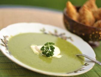Tiršta žaliųjų žirnelių sriuba su mėtomis